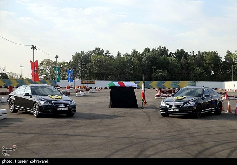 خودروهای مرسدس بنز S کلاس و تویوتا لندکروز در مراسم تشییع پیکر ارشا اقدسی + عکس