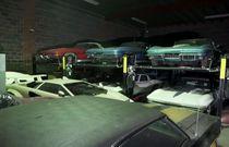 کشف کلکسیونی با 300 دستگاه خودروی خاص (تصاویر)