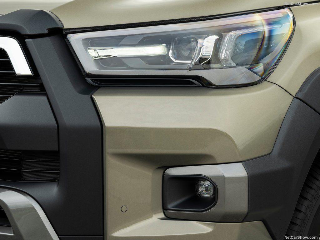 زیر و بم خودرو تویوتا هایلوکس 2021 را ببینید