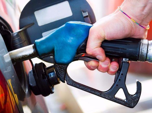 راهکار بنزین زدن برای جلوگیری از انتقال ویروس کرونا