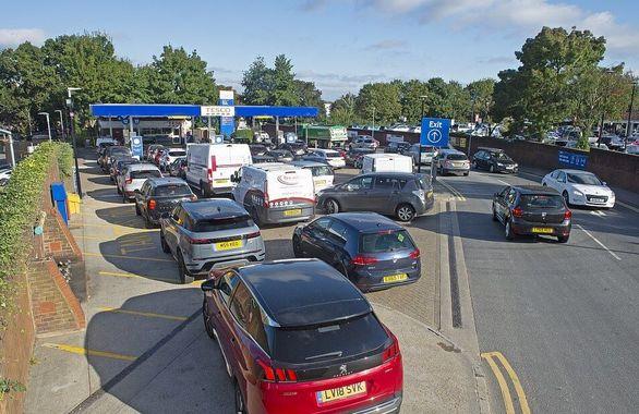 بحران بنزین در انگلیس + تصاویر
