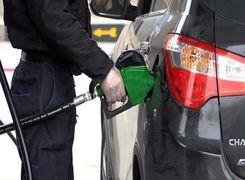 دلیل پیچیدن بوی بنزین داخل خودرو