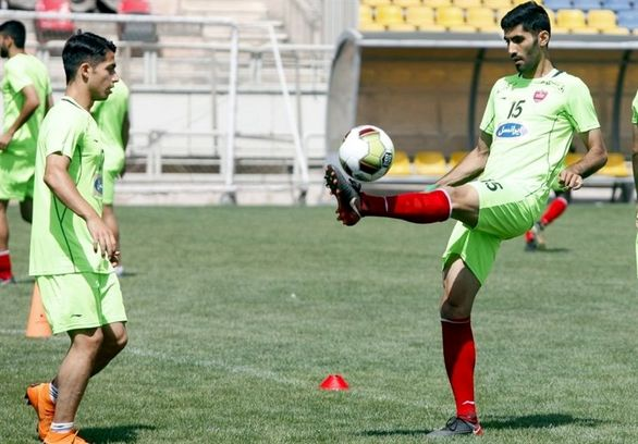 محمد انصاری دفاع وسط پرسپولیس در بازی با آلومینیوم؟