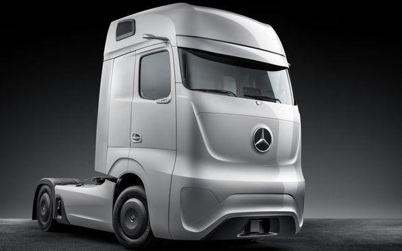 کامیون مدرن مرسدس بنز برای سال 2025