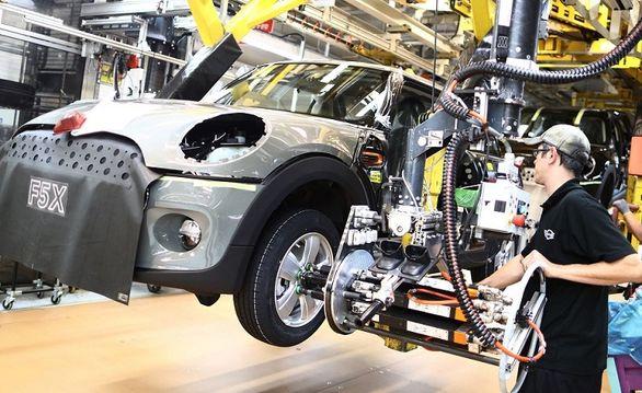 بحران تراشه صنعت خودرو انگلیس را پایین کشید