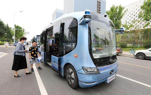 آغاز فعالیت آزمایشی اتوبوس های الکتریکی خودران در ژنگژو(استان هنان) - 1 ژوئیه 2021