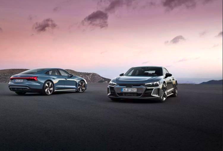 با E-Tron GT، پیشرفتهترین خودروی الکتریکی آئودی آشنا شوید