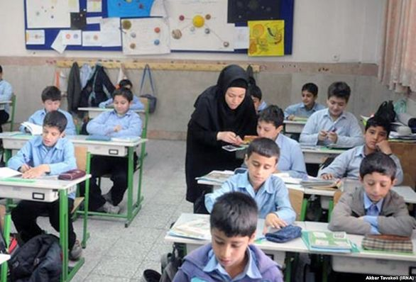 معلمان کارمند نیستند! / نظام پرداخت معلمان اصلاح شود