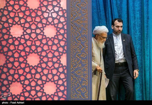 توصیه خطیب نماز جمعه تهران به دولت در مورد افزایش حقوق ها