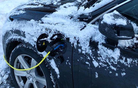 راه و رسم نگهداری از خودروهای برقی در زمستان