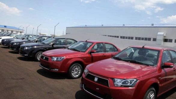قیمت خودرو دنا درآستانه سقوط به زیر 100 میلیون