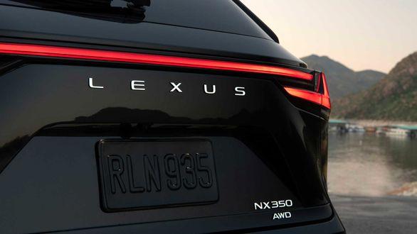 این هم از لکسوس NX مدل 2022