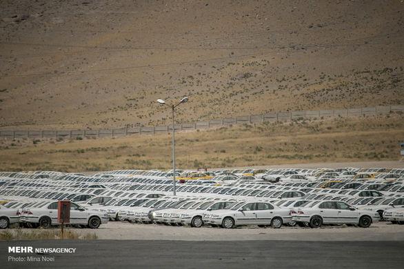 پشت پرده تاخیر در اعلام قیمت جدید خودرو / خودروسازان طفره می روند!