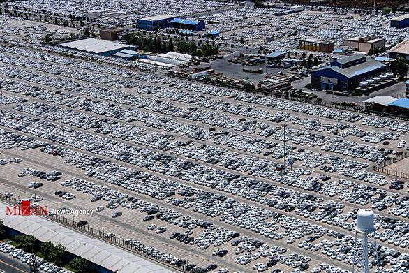 معمای پارکینگهای در حال انفجار خودروسازان