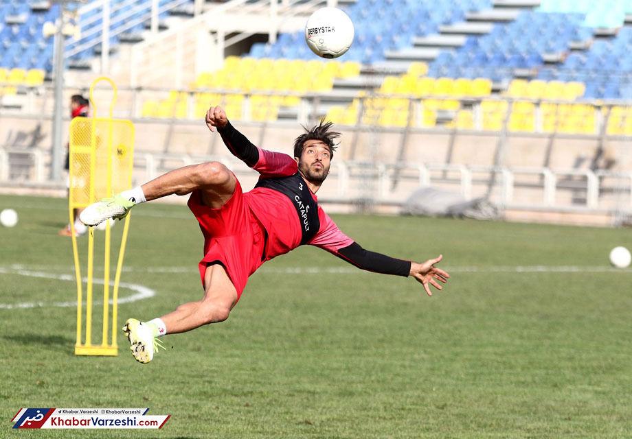 شجاع: سبک فوتبال من همین است، عوضش هم نمیکنم!