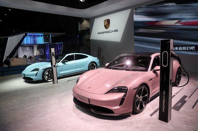 از اموتزیونه تا ولوو؛ خودروهای حاضر در سومین دوره نمایشگاه بین المللی واردات چین (+عکس)