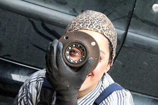 دختران مکانیک در تهران (+فیلم و عکس)