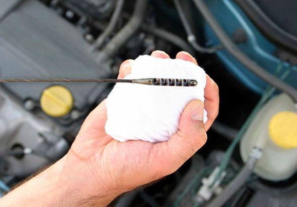 دلایل اصلی کم کردن روغن موتور