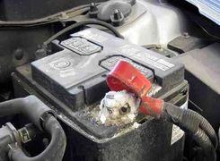 دلایل خالی شدن باتری خودرو را بشناسید