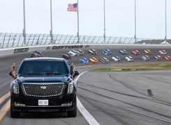 خودروی رئیس جمهوری آمریکا در مسابقه ناسکار (تصاویر)