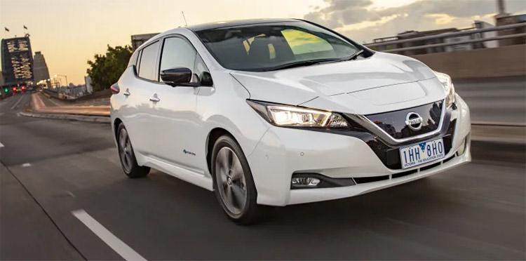 Nissan Leaf electric car / خودروی الکتریکی نیسان لیف