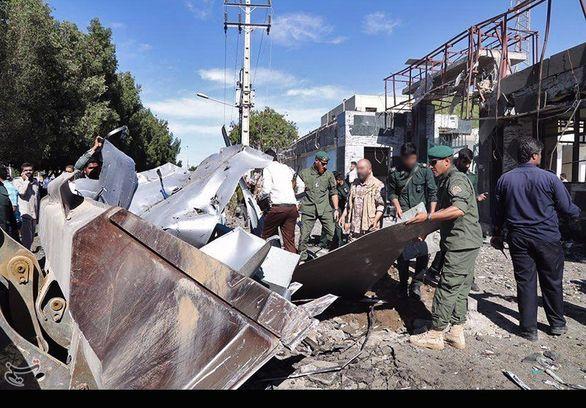 لاشه خودرو انتحاری حادثه تروریستی چابهار + عکس