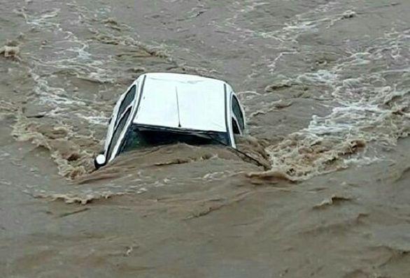 چه خبر از خودروهای خسارت دیده در سیل؟