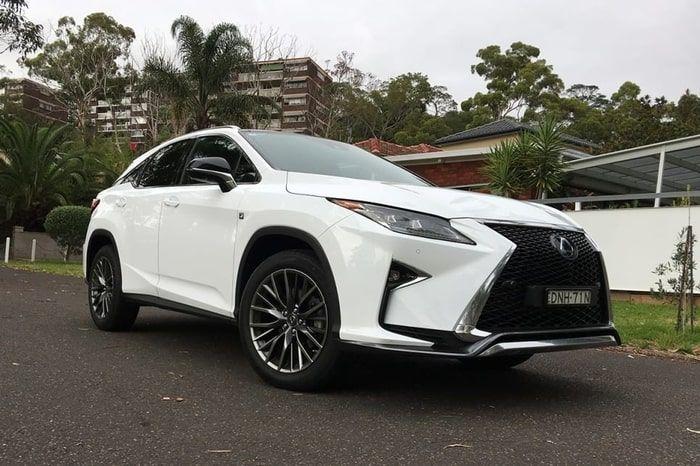 white RX200 Lexsus 2018
