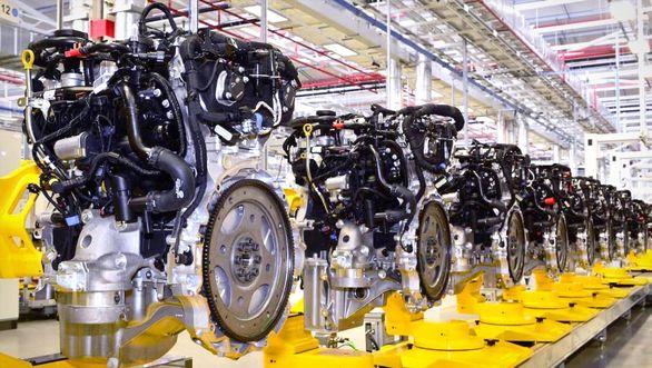 رشد منفی واردات قطعات خودرو در سال 97