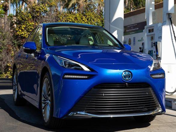 تویوتا میرای رکورد بیشترین پیمایش با یک خودروی هیدروژنی را شکست