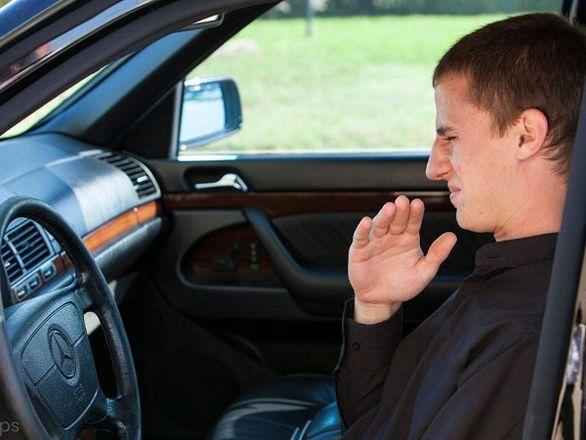 با بوهای مختلف خودرو و دلایل انتشار آن آشنا شوید