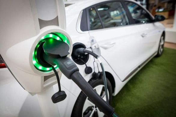 خرید خودروهای برقی تا یک دهه آینده مقرون به صرفه نخواهد بود