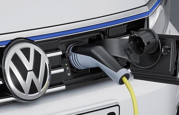 با چقدر می توان یک خودروی برقی اجاره کرد؟