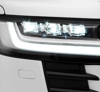 خودرو تویوتا لندکروز 2022 را ببینید