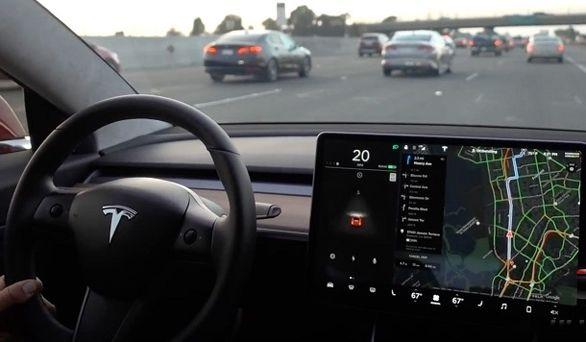 فناوری جدید خودران تسلا   فضولی راننده موقوف!