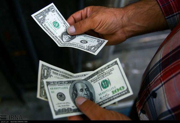 قیمت ها در بازار ارز به دلیل نبود مشتری کاهشی میشود