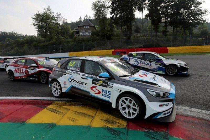 دعوت از رانندگان ایرانی برای حضور در مسابقه بین المللی اتومبیلرانی صربستان
