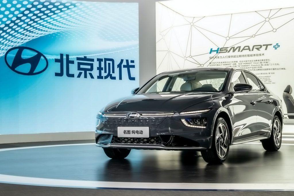 2021 هیوندای میسترا با طراحی متمایز ، نسخه EV فاش شد