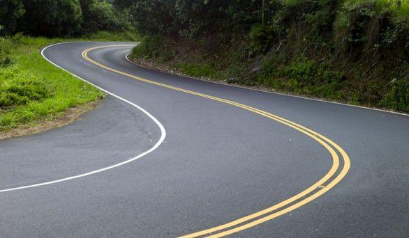 آموزش رانندگی در جاده های پر پیچ و خم