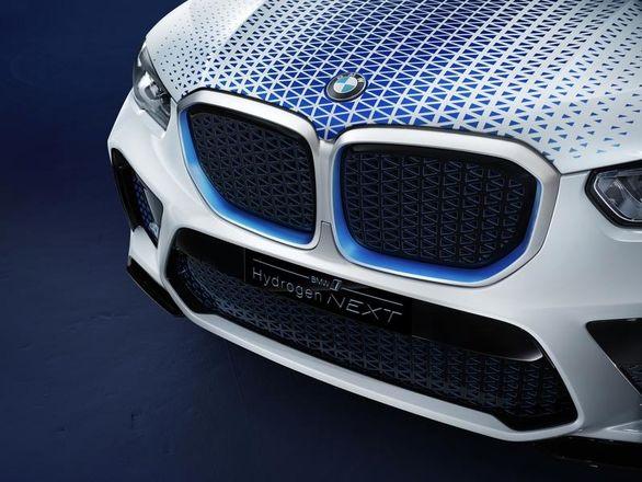 چرا باید آینده را در اختیار خودروهای هیدروژنی بدانیم
