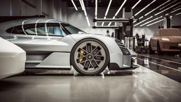 ماموریت ویژه پورشه برای ساخت ابرخودروی 911 GT1