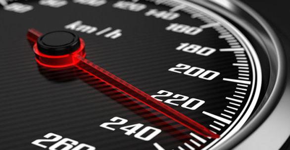 به این دلایل نباید به سرعت سنج خودرو اعتماد کنید