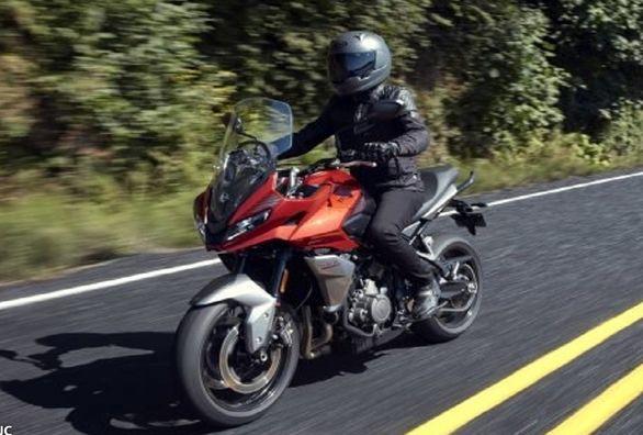 موتورسیکلت تریومف تایگر اسپرت 660 چه مشخصاتی دارد؟