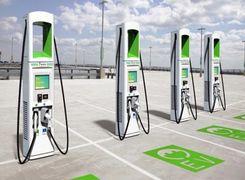 از غرب تا شرق آمریکا با یک اتوبان پر از ایستگاه شارژ خودروی برقی