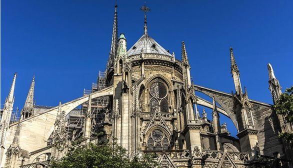 سقف کلیسای نورتردام پاریس قبل و بعد از فرو ریختن (عکس)