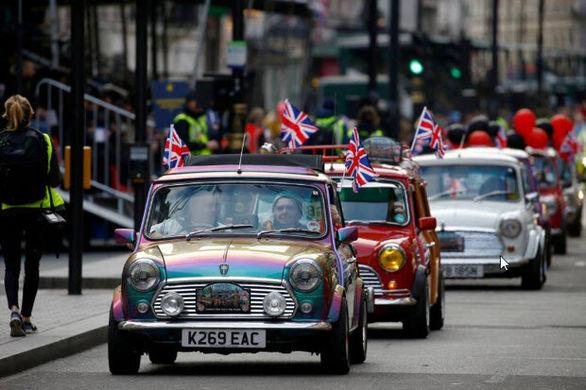 کاهش بی سابقه فروش خودرو در انگلیس