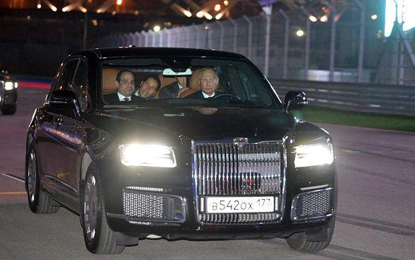 خودرو خاص ولادمیر پوتین مورد توجه اعراب قرار گرفت + عکس