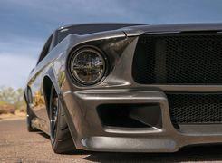 بازسازی فورد ماستنگ کلاسیک با موتور فراری !